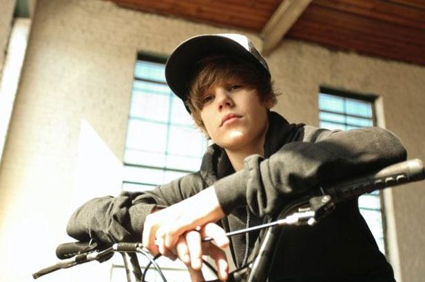 justin bieber tour dates 2011 usa. Justin Bieber Tour Dates 2011: